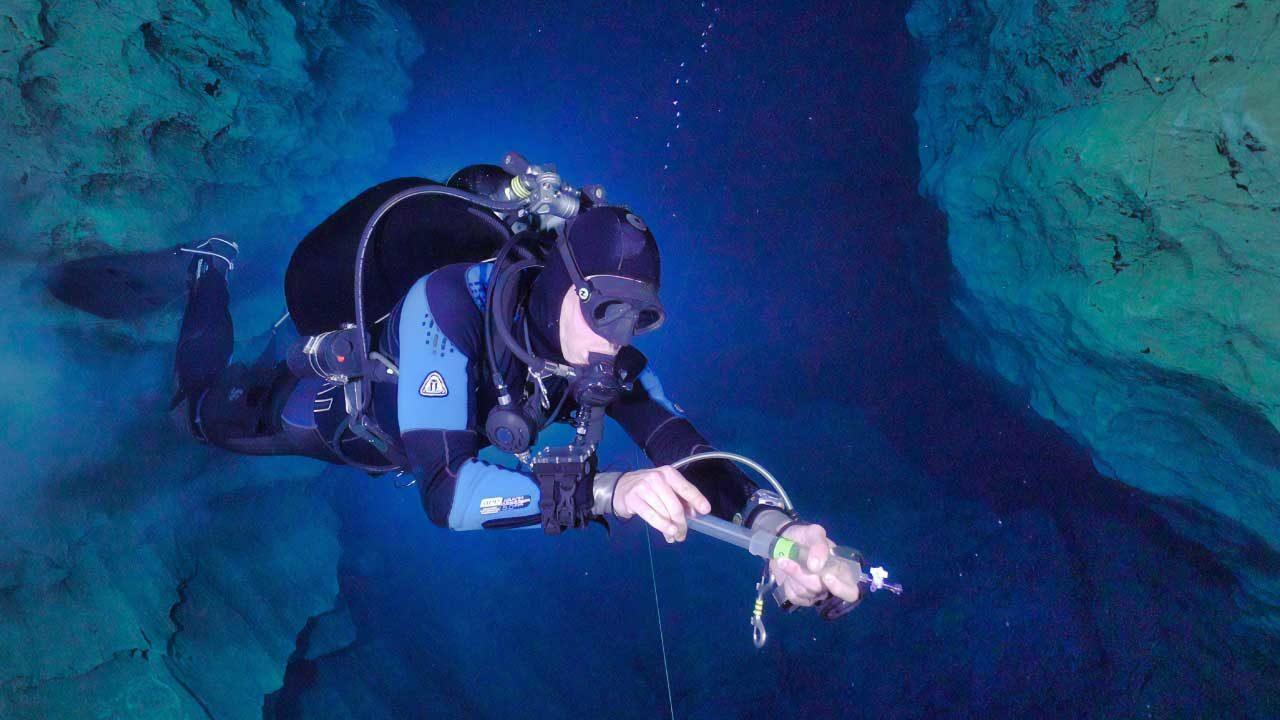 ダイビング-水中ライト